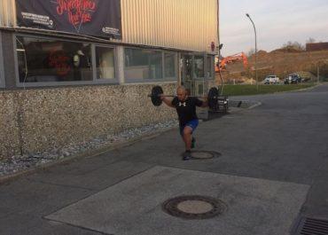 Ausfallschritte vorm Gym - Standard bei uns