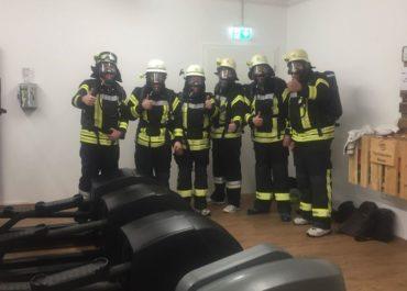 Die freiwillige Feuerwehr Heining zum Atemschutztraining im Gym
